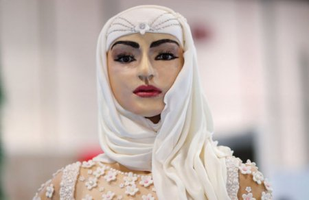 Dubayda bir milyon dollarlıq tort hazırlandı – FOTO