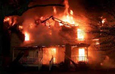 İki otaqlı ev yandı, bir nəfər öldü - Nəsimi rayonunda